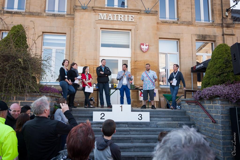 podium_004 [1024x768].jpg